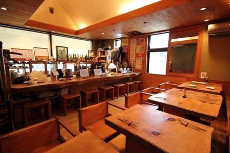 宮崎市橘通西 ニシタチにあるカジュアルフレンチ Bar Restaurant 直樹